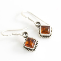 Sterling Silver earring with Natural Amber