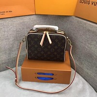 louis vuitton M40123 lv 25*20*10 CM  bag lv bag buket lv bag for men lv mini bag lv black tartan makeup bag lv lv supreme bag 2 bag   leopard bag balenciaga women bag transparent shoulder bag