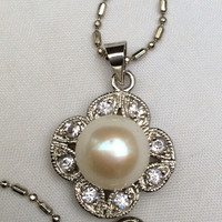 Pearl Pendant Necklace, Philipines Retro Vintage Jewelry, WINTER SALE