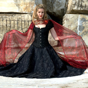 Costume Corset black gown dress fantasy medieval renaissance gothic brocades with cloak red riding hood wolf