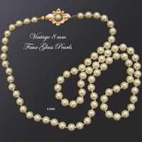 Vintage Glass Pearl Necklace 8 mm 1950s