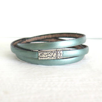 Metallic Mint Green Regaliz Leather Wrap Bracelet, Sea Foam Mint Green Leather Bangle, Minimalist Summer Jewelry, Festival Jewelry, beach,