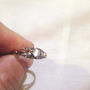 Vintage Genuine White Mother Of Pearl Filigree 925 Sterling Silver Size 6 Ring