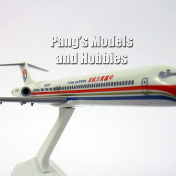 McDonnell Douglass MD-82 China Eastern Airlines 1/200 by Flight Miniatures