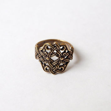 Celtic knot Ring Metal Brass Casting Ring Size 7,5