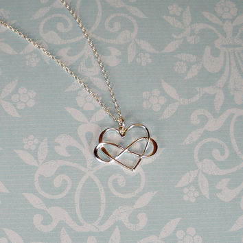 Infinity heart necklace, infinity necklace, infinity jewelry, infinity heart, birthday gift, friend gift, sister gift, mom gifts