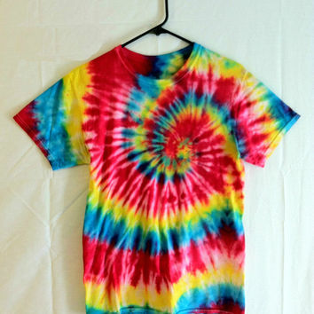 Tie Dye T-shirt - Featival Wear and Fashion - Primary Center Spiral - Red, Yellow, Blue - Hippie Shirts