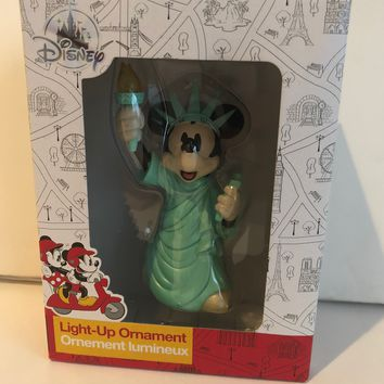 Disney Store Minnie Liberty New York NYC Christmas Ornament Holiday Light Up New