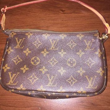 Louis Vuitton Womens Wallet Purse Duffle Bag Brittany Zippy Monogram