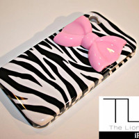 Lions Pride By Meri — 2 Piece Protective Zebra iPhone 4/4s Case