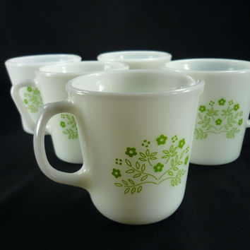 Pyrex Summer Impressions Honeydew Set of 4 Mugs and 1 Creamer Green and White Glass
