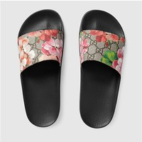 Simple-Gucci ST. Blooms Place Women's Runway Supreme Monogram Slide Sandal