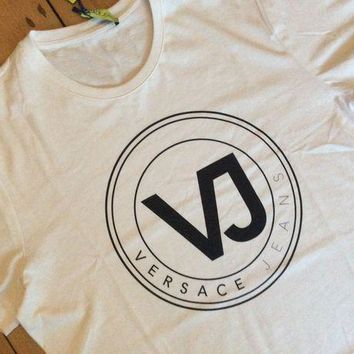 DCCKU7Q Brand New With Tags Mens White Versace T-shirt Medium