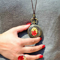 Victorian Vintage-Style Pocketwatch Necklace, Pocketwatch Necklace with Real flowers decoration, Pressed Flower Jewelry, Flowers Pocketwatch