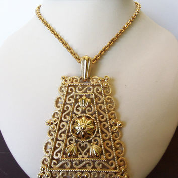 Crown Trifari Jewelry Necklace Etruscan Revival Filigree Gold Plate Pendant Chain