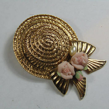 Gold tone Straw Hat Bonnet with Pink Porcelain Rose Buds Brooch Vintage Costume Jewelry