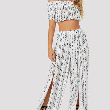 Line' Em Up Slit Pants