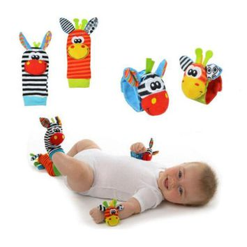 ICIK272 New A Pair Baby Infant Toy Soft Handbells Hand Wrist Strap Rattles/Animal Socks Foot Finders Stuffed Toys Christmas Gift