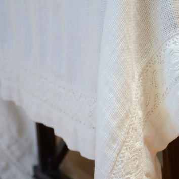 Homespun Linen Tablecloth with Crochet Lace Trim in WINTER WHITE