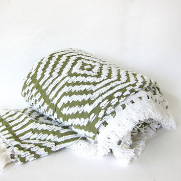 20% OFF SALE Vintage green and white Chenille Bedspread