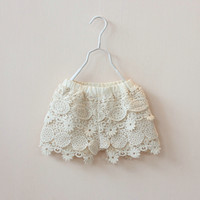 2017 New girl summer shorts baby girl kids shorts Crochet Flowers Girls Baby Floral Lace Shorts Kids Children Clothes Beige