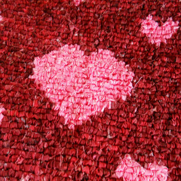 Valentines Day Rug,Locker Hooking Heart Rug,Throw Rug,Bath Rug,Hooked Heart Wall Hanging, Bedroom Rug, Interior Rug, Red Rug, Pink Heart Rug