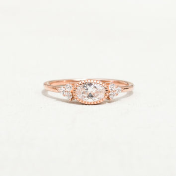 Delicate Oval Ring - Rose Gold