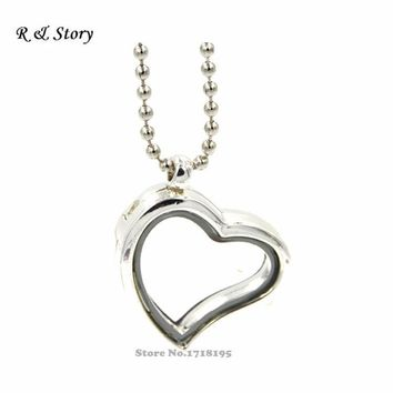 Memory Floating Heart Locket with Chains- Silver toned LFL_096