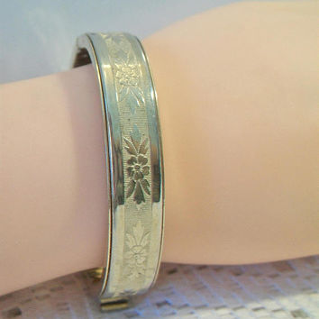Vintage Floral Etched Bangle Bracelet Embossed Flower Costume Jewelry Acessories
