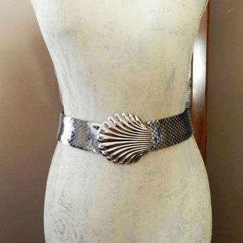 Vintage Silver Metal Elastic Stretch Belt, Shell Buckle Fish Scale Cinch Belt, Trending Fashion Accessory