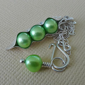 Three Peas in a Pod Green Freshwater Pearl Peapod Necklace