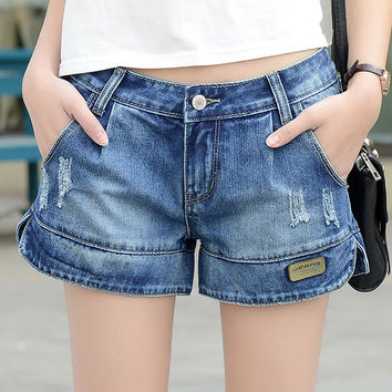 2016 Summer Loose Hole Women White Denim Shorts Zipper Fly Straight Casual Wide Leg Hot  Jeans Shorts