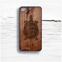 iPhone 4 and 4S Case Turtle on Wood Print T95