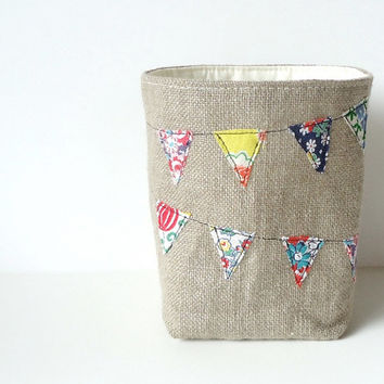 Burlap Basket Bunting Vintage Feedsack Fabric by JuneberryStitches