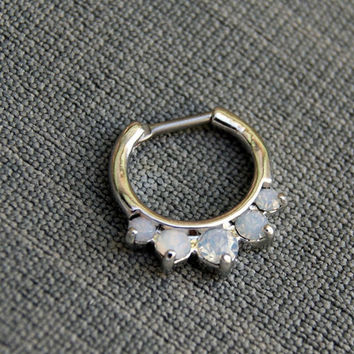 Rhinestone septum clicker, 14 G septum clicker