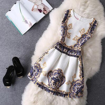 Retro Print Round Neck Sleeveless Dress