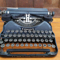 Vintage Working Black Corona 4 Typewriter Portable Compact Travel Typewriter With Case