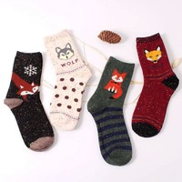 2017 New Fashhion Cute Korean Thick Wool Cotton Women Girl Crew Socks Spring And Summer Of Harajuku Animal Fox Wolf Striped Sox