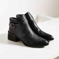 Intentionally Blank Mast Boot - Urban Outfitters