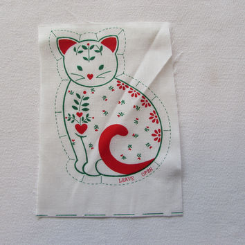 Vintage Kitty Cat Fabric Panel Red and Green Flowers