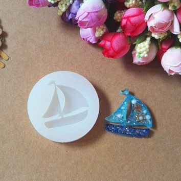 1 pcs sailboat Liquid silicone mold DIY resin jewelry pendant necklace pendant lanugo mold resin molds for jewelry