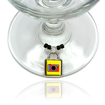 Camera Travel Picture Wine Glass Silver Charm