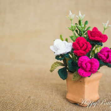 Miniature Crochet  Rose Flower Arrangement in Terra Cota Pot - Small Roses for Table Decoration - Office Decoration