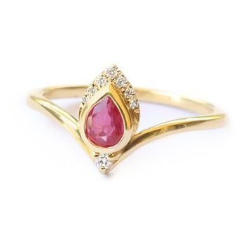 Natural Pear Ruby and Diamond Ring, Pear Diamond Engagement Ring, 14K Yellow Gold, size 7, Engagement Ring, Pear Ring for Women