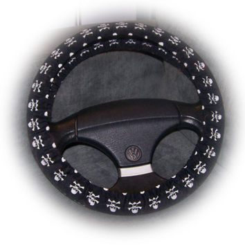 Skull and crossbones print Cotton car steering wheel cover black and white