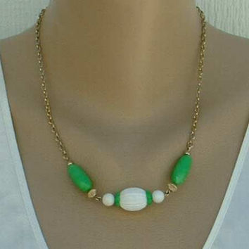 Avon Green White Ribbed Bead Necklace Vintage Jewelry