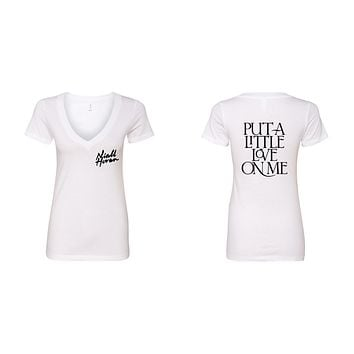"Niall Horan ""Niall Horan New Logo / Put a Little Love on Me BACK"" V-Neck T-Shirt"