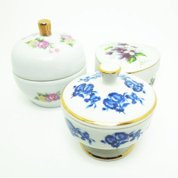 Mismatched porcelain trinket boxes (Set of 3) - Vintage or cottage wedding favors - Bridal shower favors - OOAK cottage chic wedding decor