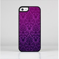 The Purple Delicate Foliage Pattern Skin-Sert Case for the Apple iPhone 5c