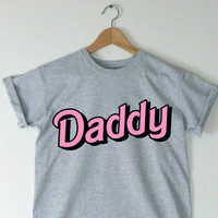 "Pink/Grey UNISEX ""DADDY"" Bubble Writing Text T-Shirt Tee Pastel Hipster Daddy Little Girl Dad DDLG Cool Cute Tumblr Pastel Goth Grunge Gray"